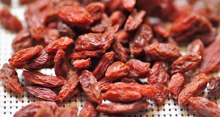 効果 クコ の 実 クコの実の効果効能と副作用。食べ方とクコ茶クコ酒の簡単な飲み方